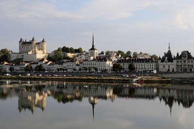 Saumur ville d art et d histoire vue sur la ville routes touristiques de maine et loire guide du tourisme du pays de la loire