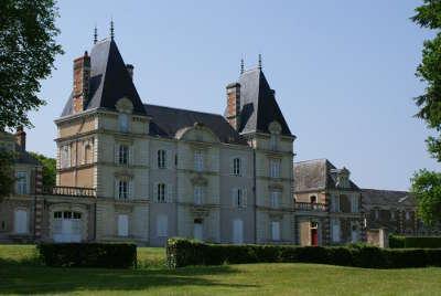 Savennieres petite cite de caractere le chateau d epire routes touristiques de maine et loire guide du tourisme du pays de la loire