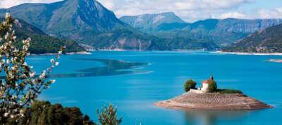 Savines le lac les routes touristiques des hautes alpes guide du tourisme de provence alpes cote d azyr
