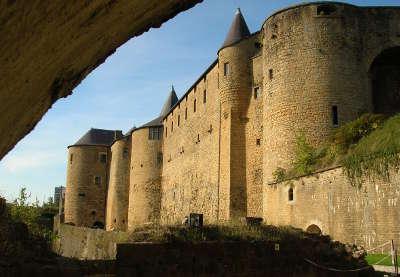 Sedan ville d art et d histoire chateau routes touristiques dans les ardennes guide du tourisme grand est