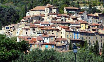 Seillans plus beau village village perche routes touristiques du var guide du tourisme de la provence alpes cote d azur