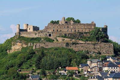 Severac le chateau cite medievale routes touristiques de aveyron guide du tourisme midi pyrenees