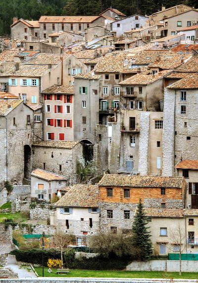Sisteron plus beau detour de france les vieilles maisons de sisteron routes touristique des alpes de haute provence guide du tourisme provence alpes cote d azur