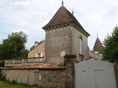 Talmont sur gironde plus beau village chateau de la fond routes touristique de charente maritime guide du tourisme poitou charente
