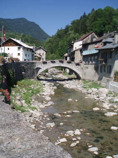 Taninges routes touristiques de haute savoie guide du tourisme de rhone alpes