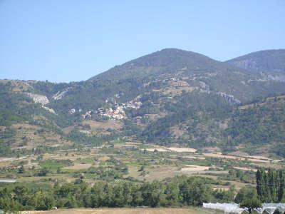 Theus routes touristiques des hautes alpes guide du tourisme de la provence alpes cote d azur