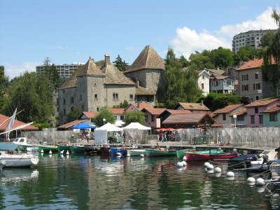 Thonon les bains station thermale le port routes touristiques de haute savoie guide du tourisme de rhone alpes