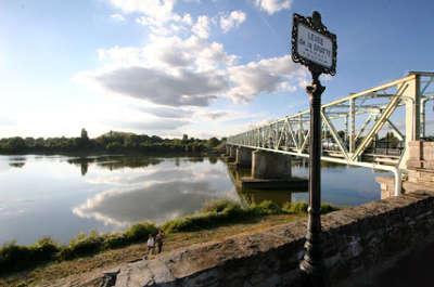 Thouare sur loire pont sur la loire routes touristiques de loire atlantique guide du tourisme du pays de la loire