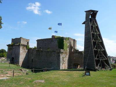 Tiffauges chateau medieval routes touristiques de vendee du tourisme du pays de la loire