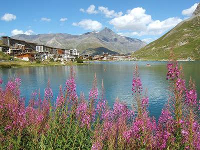 Tignes station de ski lac de tignes routes touristiques de savoie guide touristique de rhone alpes