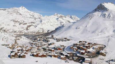 Tignes station de ski routes touristiques de savoie guide touristique de rhone alpes