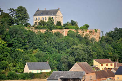 Tillieres sur avre les remparts routes touristiques de eure guide touristique de haute normandie