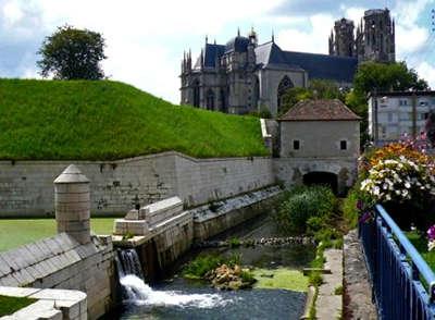 Toul plus beau detours de france cathedrale saint etienne et fortification vauban routes touristiques de meurthe et moselle guide du tourisme de lorraine