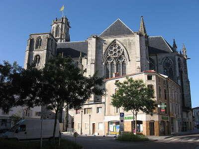 Toul plus beau detours de france cathedrale saint etienne routes touristiques de meurthe et moselle guide du tourisme de lorraine