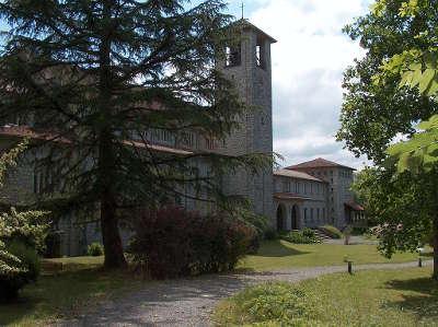 Tournay abbaye notre dame routes touristique des hautes pyrenees guide du tourisme midi pyreneess