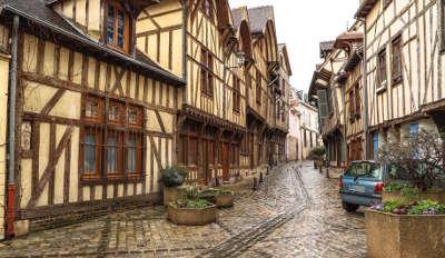 Troyes villes d art et d histoire rue francois gentil routes touristiques dans l aube guide du tourisme grand est