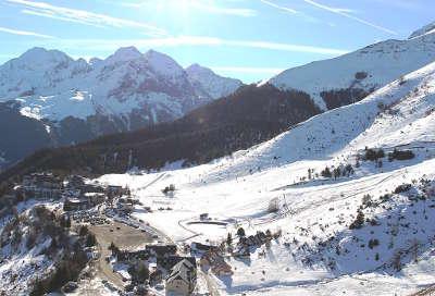 Val luron station de ski routes touristiques des hautes pyrenees guide du tourisme de midi pyrenees