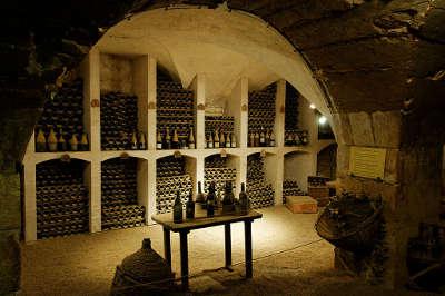 Valencay cave du chateau plus beaux detours les routes touristiques dans le cher guide du tourisme centre val de loire
