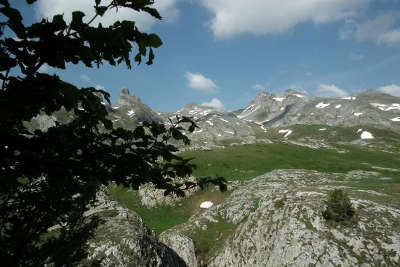 Vallee d ossau cirque d aneou routes touristique des pyrenees atlantiques guide du tourisme aquitaine