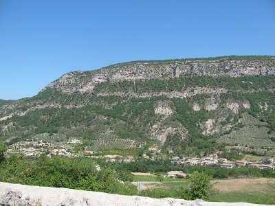 Vallee de l eygues a sahune parc naturel regional des baronnies