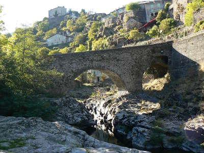 Vebron routes touristiques du gard guide du tourisme du languedoc roussillon