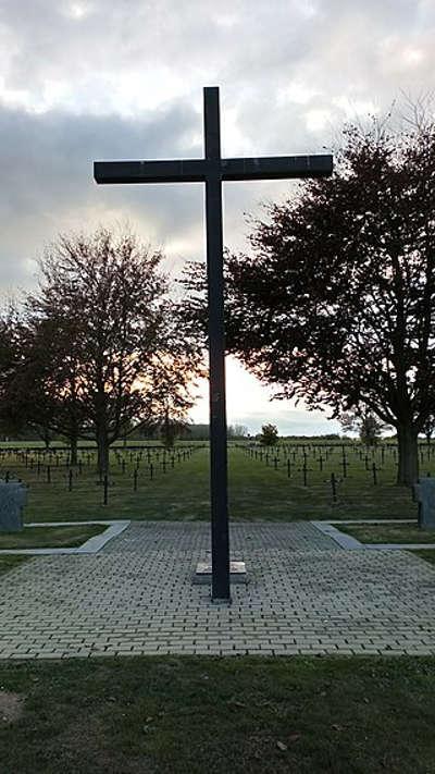 Vermandovillers necropole allemande routes touristique de la somme guide du tourisme de picardie