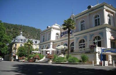 Vernet les bains les thermes routes touristiques des pyrenees orientale guide du tourisme occidanie