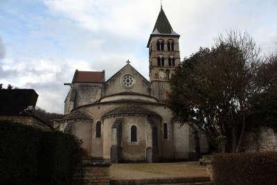 Vignory petite cite de caractere l eglise saint etienne routes touristiques dans la haute marne guide du tourisme grand est