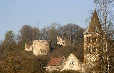 Vignory petite cite de caractere ruine du chateau routes touristiques dans la haute marne guide du tourisme grand est