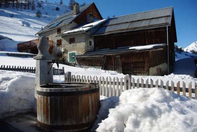 Villargaudin routes touristiques des hautes alpes guide du tourisme de provence alpes cote d azyr