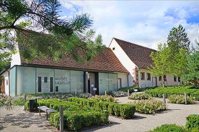 Wingen sur moder musee lalique routes touristiques du bas rhin guide touristique de l alsace