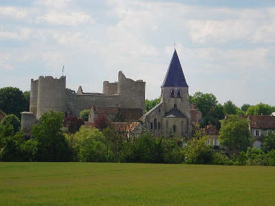 Yevre le chatel plus beau village de france routes touristiques dans le loiret guide du tourisme centre val de loire